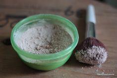 shampoing-sec-maison-DIY  -1 cuil à S. de bicarbonate -4 cuil à S. de fécule de maïs - 2 à 3 cuil à S. de cacao non sucré (pour cheveux foncés)