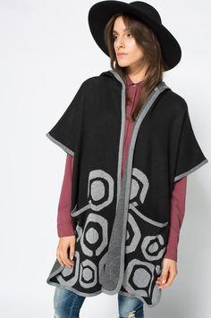 Profita de reducere! Cardigan din tricot subtire, oversized din colectia Desigual ...  pentru seri racoroase!