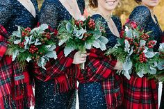 It's never too early to think about Christmas! Why not start now by scrolling through our cosy board! wedding bridesmaids 40 Gorgeous Bridesmaid Christmas Wedding Dresses Ideas - Beauty of Wedding Winter Wedding Shawl, Winter Wedding Bridesmaids, Wedding Bridesmaid Bouquets, Red Wedding, Wedding Colors, Autumn Wedding, Wedding Beauty, Winter Weddings, Wedding Bouquet