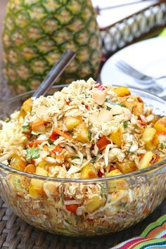 Crunchy Polynesian Salad Crunchy Polynesian Salad - grilled pineapple, macadamia nuts and ramen noodles. All mixed together to make a crunchy Polynesian salad that everyone loves! Healthy Salads, Healthy Eating, Healthy Recipes, Creamy Fruit Salads, Salad Bar, Soup And Salad, Ramen Salad, Food Salad, Sauces