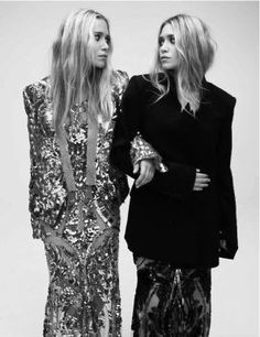 Mary-Kate & Ashley Olsen In Sequins, Lace, Black And Not To Mention Rocking Wavy Hair Mary Kate Ashley, Mary Kate Olsen, Ashley Olsen, Look Fashion, High Fashion, Fashion Beauty, Olsen Fashion, Fashion Women, Fashion Outfits