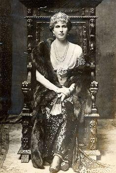 SAR la Princesa Eugenia Victoria josefina de Battenberg , hija de la princesa Beatrice ( la hija menor de la reina Victoria ) . Casado el rey Alfonso XIII de España ; abuela del rey Juan Carlos I de España .