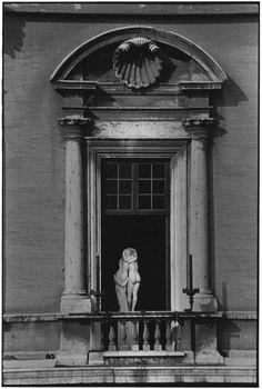 Rome, 1996 - Elliott Erwitt - Artists - Jackson Fine Art - Photography - Atlanta