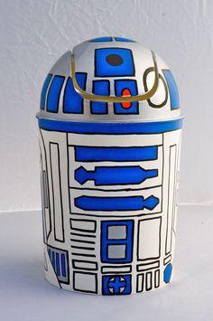 R2D2 mini trashcan Star Wars by StarWarsHandmade on Etsy https://www.etsy.com/listing/119844684/r2d2-mini-trashcan-star-wars