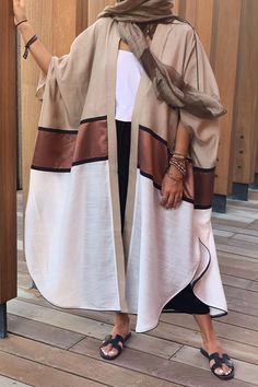 Farasha Abaya for your adorable look. Beige Abaya with graphical embroidery pattern Street Hijab Fashion, Abaya Fashion, Muslim Fashion, Kimono Fashion, Modest Fashion, Fashion Dresses, Fashion Fashion, New Abaya Design, Abaya Designs