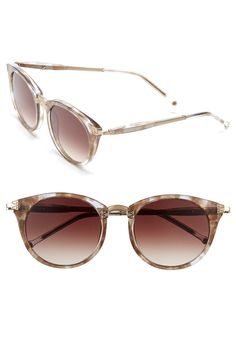 Loving the modified cat-eye silhouette of these chic retro sunglasses.