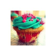 Cupcake icon-by Chinky ❤ liked on Polyvore featuring food, cupcakes, pictures, backgrounds and icons