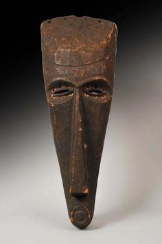 A Kuba Nyimbita Mask, Congo, circa 1900 - www.remix-numerisation.fr - Rendez vos souvenirs durables ! - Sauvegarde - Transfert - Copie - Restauration de bande magnétique Audio