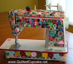 Quilted Cupcake Sewing Machine by Quilted Cupcake, via Flickr