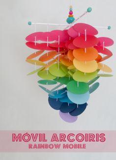 LALOLE BLOG: DIY: MÓVIL ARCOIRIS CON CÍRCULOS DE CARTULINA