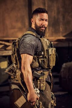 Special Forces Gear, Military Special Forces, Military Guns, Military Life, Tactical Beard, Best Friend Outfits, Army Women, Matthew Mcconaughey, Modern Warfare