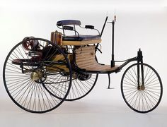 First car by Karl Benz 1886