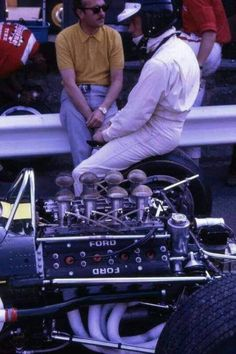 Jim Clark Colin Chapman (Lotus-Ford 49) Grand Prix des...