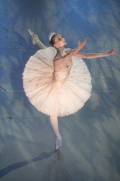 Svetlana Zakharova in Nacho Duato's The Sleeping Beauty with the Mikhailovsky Ballet. Photo (c) Nikolay Krusser.