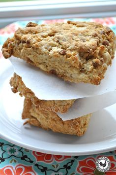 Farmgirl Gourmet: Delicious Recipes for the Home Cook.: Cinnamon Yogurt Scones with Tillamook Light Vanilla Yogurt