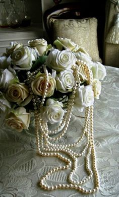 enchanted-barnowlkloof:  Pearls and Roses  jensawesomeworld.tumbler