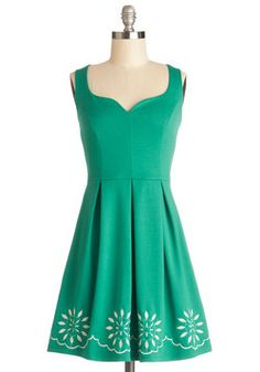 Bright This Way Dress. When your radiant leaf-green dress comes into view, arriving guests are sure theyre in the right place! #green #modcloth