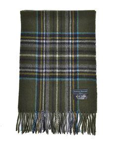 100% wolle sjaal van het merk Laurant Bennet.