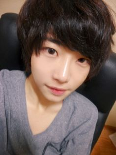 "Using our free seo ""keyword suggest"" keyword analyzer you can run the keyword analysis ""korean ulzzang boys hair"" in detail. Mlp Hairstyles, Summer Hairstyles, Korean Boys Ulzzang, Ulzzang Boy, Pretty Boys, Cute Boys, Ulzzang Hair, Pretty Asian, Ulzzang Fashion"