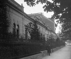 Széll Kálmán tér (Krisztina körút), a háttérben a mai Szilágyi Erzsébet fasor torkolata.