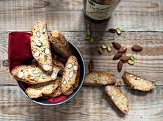 Vin Santo and Cantucci - La Dani Gourmet Biscotti, Italian Cake, Fun Deserts, Bake Sale, Baking, Vegetables, Pastries, Recipes, Italy