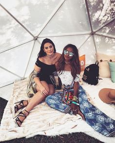 We've rounded up the best and most stylish celebrity Instagram photos from Coachella 2017.
