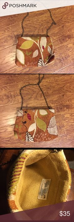 """ADD LIBB Designs SC Wearable Art Tapestry Handbag You are looking at an Add Libb Designs, Charleston, SC – Wearable Art Handbag, made by designer Libby Mitchell.    This bag has a removable bronze chain shoulder strap that converts the bag from a shoulder bag to a clutch. Measures 9""""L x 7""""H x 2.5""""deep. 15"""" Strap drop.  Add Libb Designs Handbags retail for $90+   Please see photos as they are part of the description.   Thanks for looking! Happy Poshing! ADD LIBB Bags Shoulder Bags"""