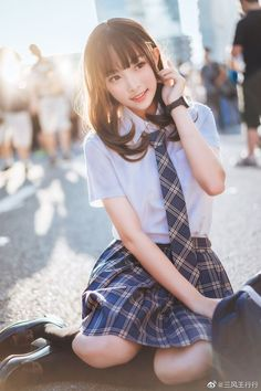 微博 - Her Crochet School Girl Japan, School Girl Outfit, Japan Girl, Girl Outfits, Beautiful Japanese Girl, Beautiful Asian Women, Cute Asian Girls, Cute Girls, Cute Kawaii Girl