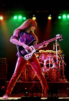 Old School Geddy Lee. Back when a Ric was his main axe.