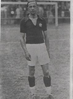 Arthur Friedenreich - 1935 - excelente atacante, disputou alguns jogos pelo Flamengo em 1917, 1923 e 1935