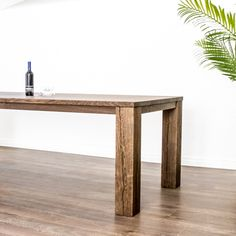 Der ausziehbare Massivholztisch aus Schweizer Eichenholz nach Kundenwunsch. Dining Bench, Table, Design, Furniture, Home Decor, Types Of Wood, Swiss Guard, Dining Rooms, Rustic
