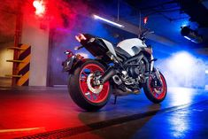 2020 Yamaha The industry benchmark in hyper naked agile handling, triple cylinder performance, and dark side inspired design. Yamaha Mt 09, Yzf R125, New Android Phones, Mt Bike, Ignition Timing, Oil Filter, Fuel Injection, Fuel Economy, Sport Bikes