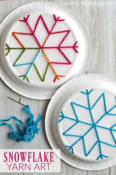 winter kids crafts This paper plate snowflake yarn art is a perfect activity for the winter months and is great for beginning sewing and fine motor skills. Fun winter kids craft, sewing craft for kids, paper plate crafts and winter activity for kids. Winter Activities For Kids, Winter Crafts For Kids, Easy Crafts For Kids, Winter Kids, Winter Christmas, Kids Diy, Time Activities, Children Crafts, Yarn Crafts Kids