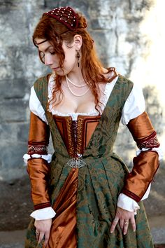 1490's Florentine ensemble in copper silk and green brocade by Samantha Reckford samanthareckford.carbonmade.com- modelled by the artist.