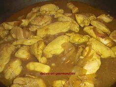 Petit colombo de blancs de poulet ... - épices et gourmandises,... le blog de mariellen Chicken, Meat, Blog, Mustard Seed, Clove Tea, Chicken Breasts, Pepper, Seeds, Cubs