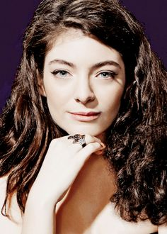"""""""Lorde photographed by Mary Ellen Matthews for Saturday Night Live """" Lorde, She Was Beautiful, Most Beautiful Women, Scorpio Girl, Unique Faces, Indie Pop, Very Long Hair, Celebs, Celebrities"""