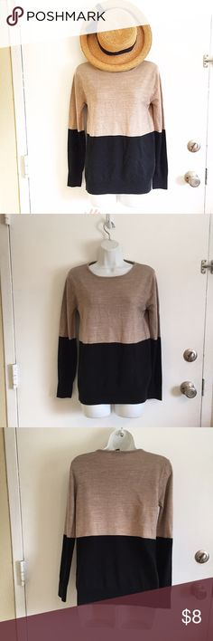 Forever 21 Color Block Sweater Beige and black color block sweater from Forever 21. Size medium. #f21 #forever21 #medium #sweater #colorblock #beige #black #fall #autumn #neutral #punkydoodle  No modeling Smoke and pet free home I do discount bundles Forever 21 Sweaters