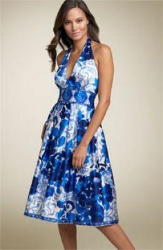 Dresses-for-Women-A-line-Halter-neck-floral-dress-Apple-body