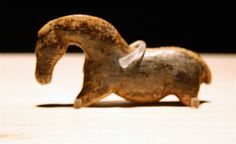 Ivory carving of Horse, Vogelherd cave, Germany, from about 33.000 BCE. Some of the oldest art ever found.