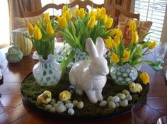 Why not make this Easter special by opting for Easter-inspired dining table settings. Decorate your dining table in a perfect way with wonderful Easter dining table decorating ideas. Dining Room Table Centerpieces, Christmas Table Centerpieces, Easter Table Decorations, Decoration Table, Easter Centerpiece, Centerpiece Ideas, Easter Decor, Room Decorations, Easter Ideas