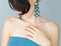 Cadeasse // Venise Lace Earrings/ Teal Green Earrings/ Geometric Earrings/ Dangle Earrings/ Long Earrings/ Statement Earrings #etsyfind #trend