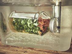 Aceite aromatizado de tomate y albahaca