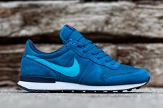 "Nike Internationalist Leather ""Blue Force"" - Hit Tutorial and Ideas Nike Internationalist, Nb Shoes, Nike Free Shoes, Shoe Boots, Mens Jogger Pants, Nike Joggers, Nike Heels, Sneakers Nike, Basket Sneakers"