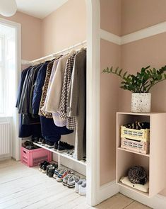 my scandinavian home: Malene and Jeppe's Pastel Copenhagen Home - With Lots of Dots! Norwegian House, Swedish House, Danish Clothing Brands, Interior Design Images, Entry Hallway, Entryway, Wardrobe Storage, Dining Room Walls, Scandinavian Home