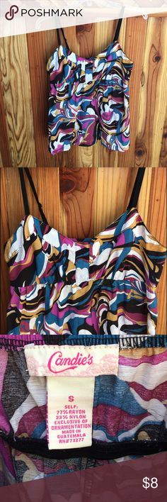 Candie's Swirly Print Empire Waist Top This top is adorable, and actually made my boobs look awesome, but I don't love the loose bottom half on me. It's in excellent used condition, and the fabric is a really nice solid cotton weave 🌴 Candie's Tops Tank Tops