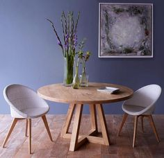 See our collections of dining tables in Singapore. You can choose from lots of teak dining room tables, chairs, sets, benches and more dining room furniture. Circle Dining Table, Round Dining Table, Dining Room Table, Wooden Dining Tables, Dining Area, Teak Dining Chairs, Dining Furniture, Furniture Design, Petites Tables
