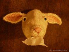 毛糸から生まれたヤギのトイレットペーパーカバー