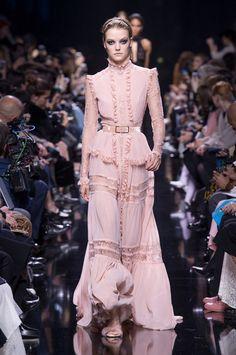 Elie Saab at Paris Fashion Week Fall 2017 - Runway Photos