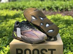 2a7cd8eaf1148 Adidas Yeezy 700 Wave Runner Shoes Men s Size US7 EU40  fashion  clothing
