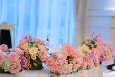秋の装花 如水会館様へ 雨の日の結婚式、その日を明るく暖かくする花 メインテーブル装花